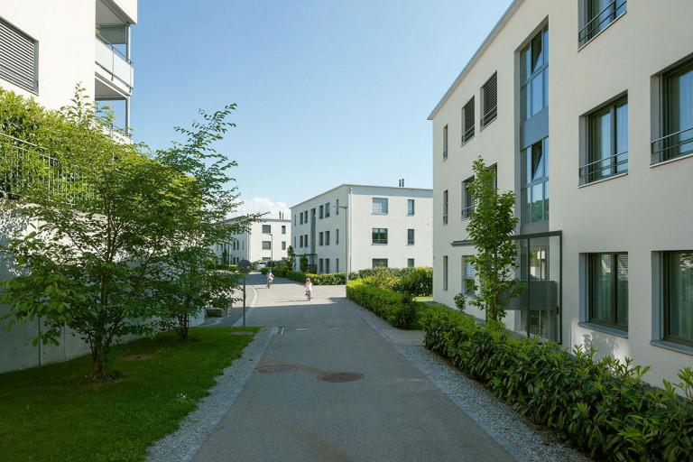Belp – Baumgarten: Aussenansicht Eigentumswohnungen, Baumgartenstrasse 13–17, Schützenweg 16 | Zürcher Immobilien, Galli + Siegenthaler Bauplanungen AG