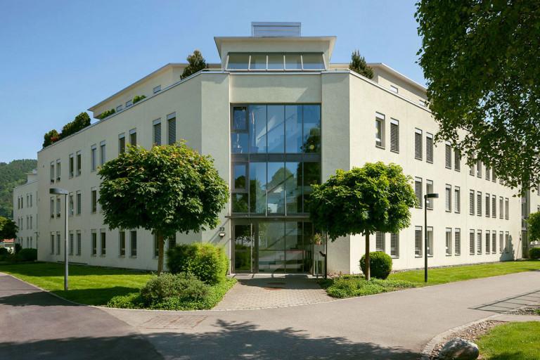 Belp – Scheuermatt II: Aussenansicht Eigentumswohnungen, Birkenweg 33, 33a, 33b, 33c, 33d | Zürcher Immobilien, Galli + Siegenthaler Bauplanungen AG
