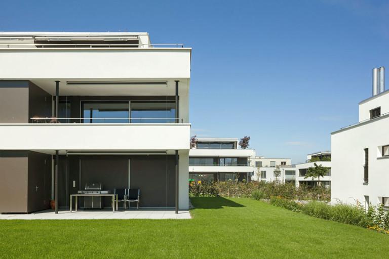 Belp – Würbel: Aussenansicht Miet- und Eigentumswohnungen Haus B, Kastanienweg 61–97 | Zürcher Immobilien, GHZ Architekten AG